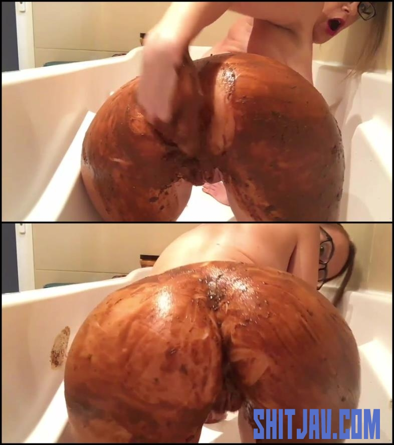 [Special #403] Girl covered feces in bath masturbates dirty anal hole and pussy (2018/FullHD/1.57 GB) 060.403_BFSpec-403
