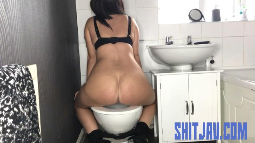 Special #1045 Toilet Amateur Shitting, Self Filmed (2020/FullHD/328 MB) 1.1045_BFSpec-1045